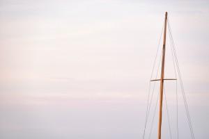 vela-embarcacion-bandera