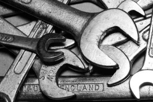 reparaciones necesarias arrendamientos herramientas