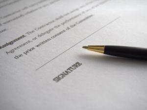 contratto distribuzione Spagna firma