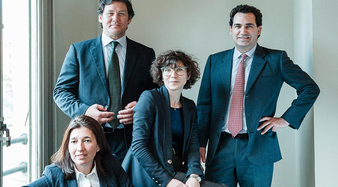 German, french, italian, russian and english - spanish lawyers